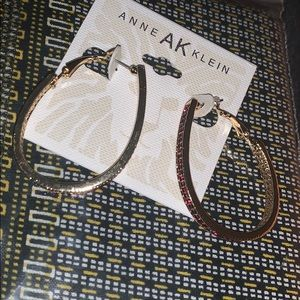 🧨🎈👠NWT Anne Klein Red/Gold Earrings